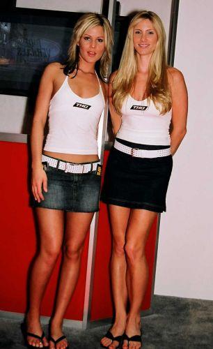 Simpáticas, as charmosas modelos alegram o estande da THQ na E3 2004