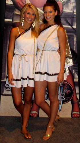 Mulheres bonitas vestindo togas gregas estão presentes nas fantasias de 10 em cada 10 jogadores de videogame
