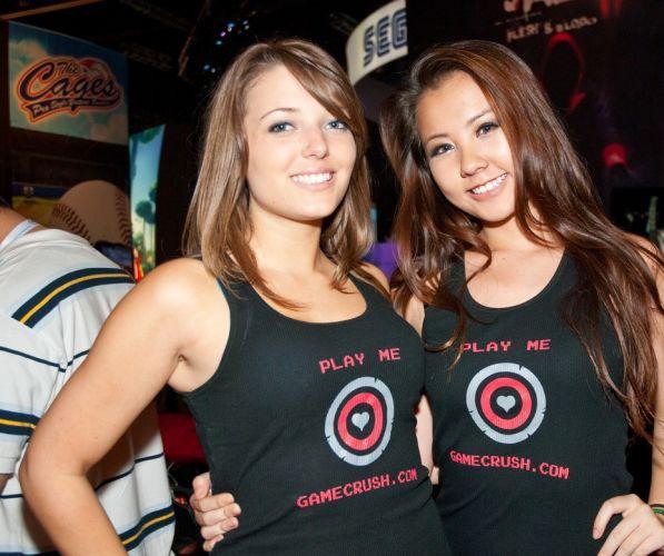 Será que conseguimos encontrar essas garotas no site de relacionamentos nerd Gamecrush?