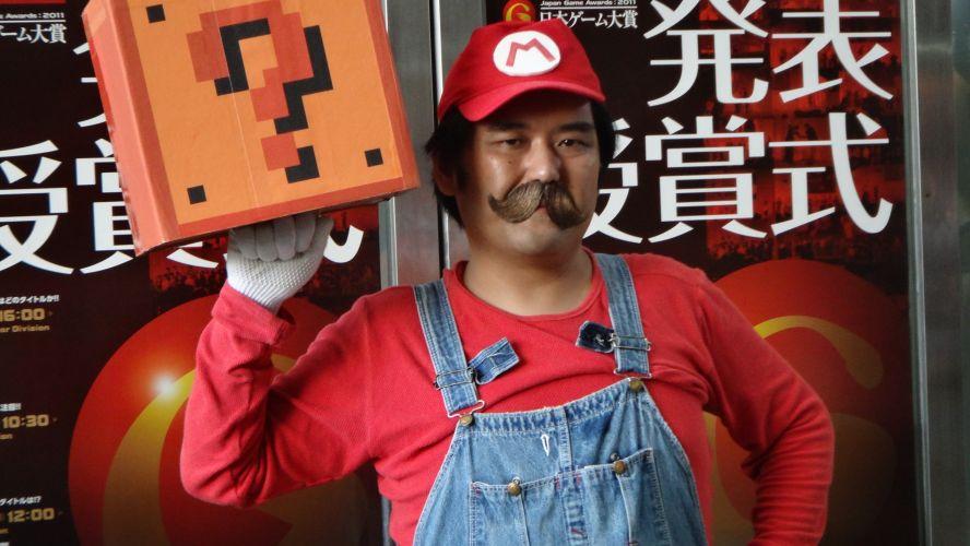 Este Super Mario parecia meio bravo lá na TGS - será que ele tinha algum encanamento para arrumar depois da feira?