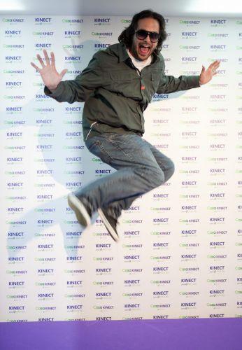 Kudo Tsunoda, diretor criativo do Xbox 360, faz pose de maluco em Los Angeles poucas horas antes da conferência pré-E3 da Microsoft