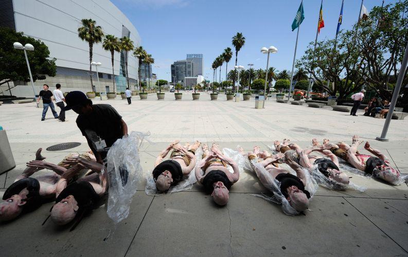 Um dos organizadores da E3 prepara os bizarros monstros de