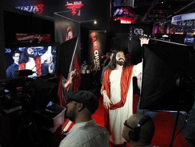Quem diria, até Jesus apareceu na E3. Eu arrisco que o gênero favorito dele é o dos God Games...