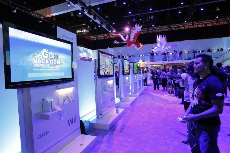 Os visitantes enfrentaram filas quilométricas para testar o Wii U, novo console da Nintendo