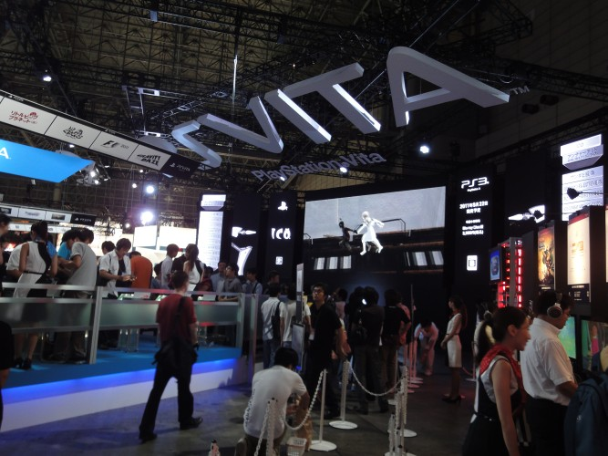 O PS Vita, o portátil de nova geração da Sony, foi a principal atração da companhia na Tokyo Game Show