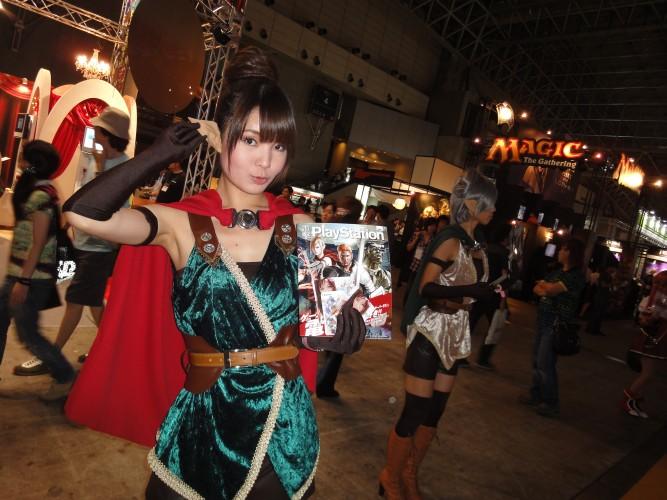 Das telas para os corredores da Tokyo Game Show: elfas eram presenças constantes na feira