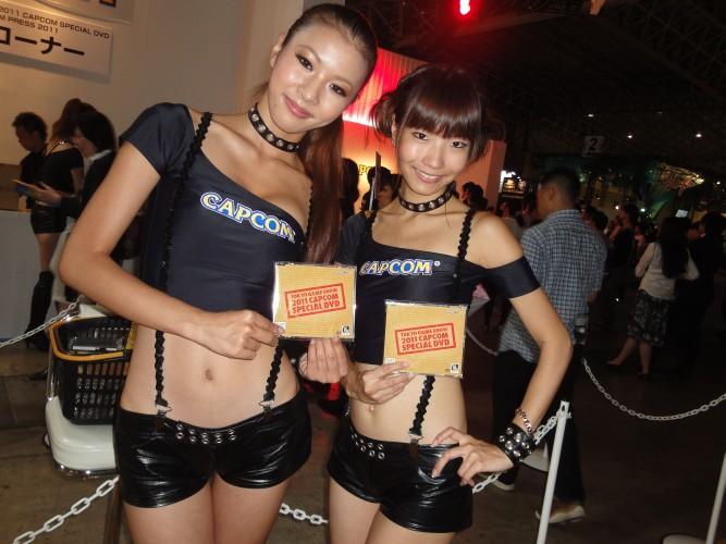 Em 2011, a Capcom mudou a cor do uniforme: nos anos anteriores predominava o amarelo