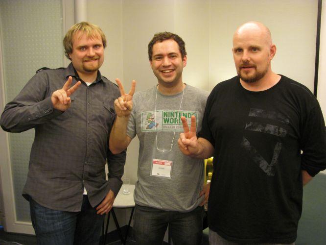 Chad Armstrong, da Microsoft, e Frank O'Connor, diretor da série
