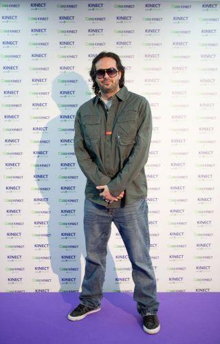 Kudo Tsunoda, diretor criativo do Xbox 360, faz pose comportada em Los Angeles poucas horas antes da conferência pré-E3 da Microsoft