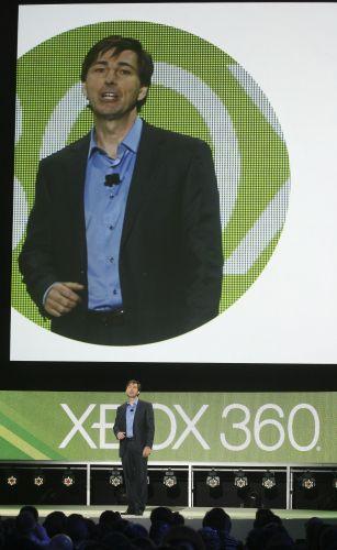 Don Mattrick, vice-presidente sênior de entretenimento interativo da Microsoft, comanda apresentação pré-E3 2011 da empresa