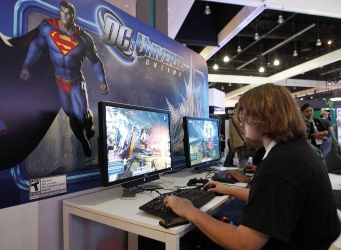 Jogadores puderam testar diversos MMOs no evento, como