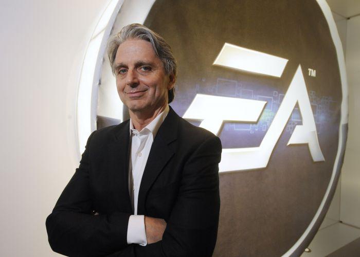 O CEO John Riccitiello da Electronic Arts, que apresentou blockbusters como