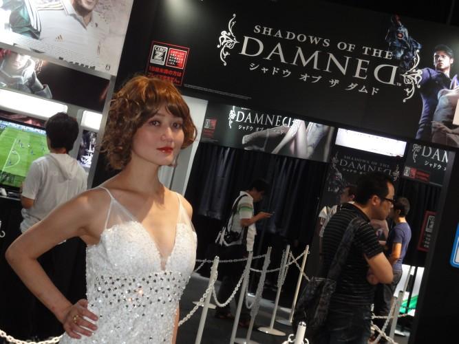 Promotora se veste como Paula, personagem do game